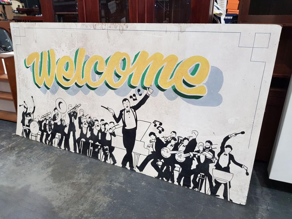 Large 'Welcome' Sign