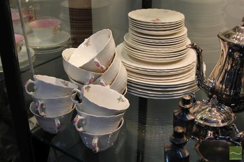 Spode 'Billingsley Rose' Dinner Setting for 6 Persons