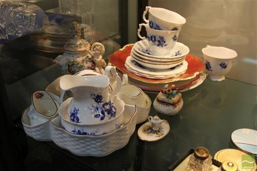 Coalport 'Strawberry' Strawberry Server with Other Ceramics incl Royal Albert 'Connoisseur' Tea Wares