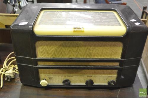 HMV Bakelite Radio