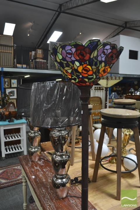 Rose Form Standard Up Lamp