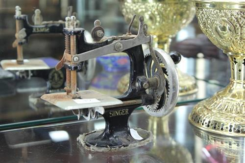 Miniature Singer Sewing Machine