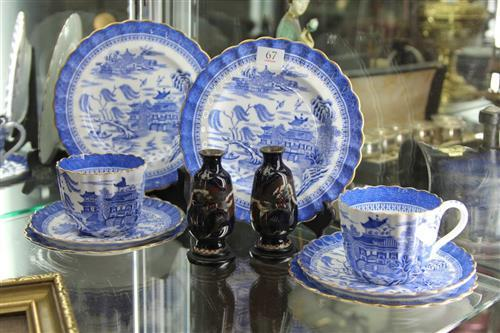 Copeland 'Blue Willow' Tea Wares with a Cloisonne Pair of Vases (1 a.f.)