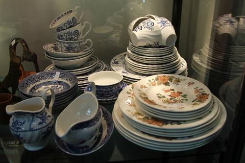 Wedgwood 'Eastern Flowers' Dinner Wares with Various Blue & White Dinner Wares
