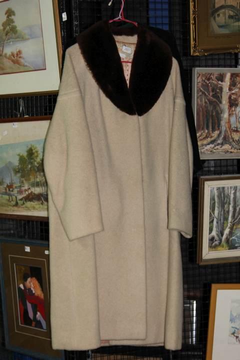 Ladies Vintage Coat & Jacket