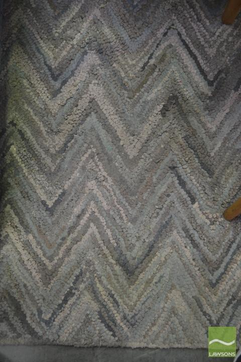 Cotton Carpet with Grey Chevron Design (160 x 230cm)