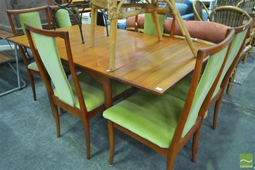 Five Piece Dining Suite incl. Extension Table and Four Chairs