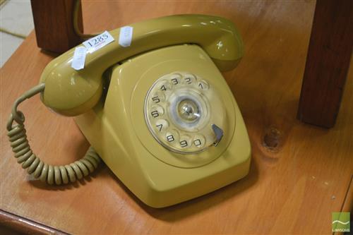 Retro Dial Phone