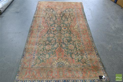 Persian Kashan (240 x 132cm)