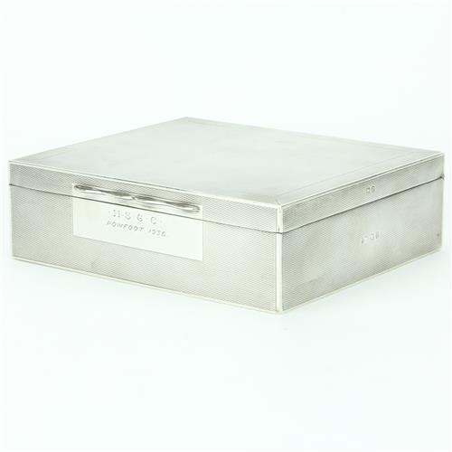 English Hallmarked Sterling Silver George V Cigarette Table Box