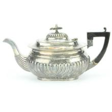 English Hallmarked Sterling Silver George V Teapot