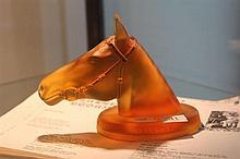 Australian Glass Bust of Phar Lap