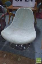 Egg Chair on Chrome Base