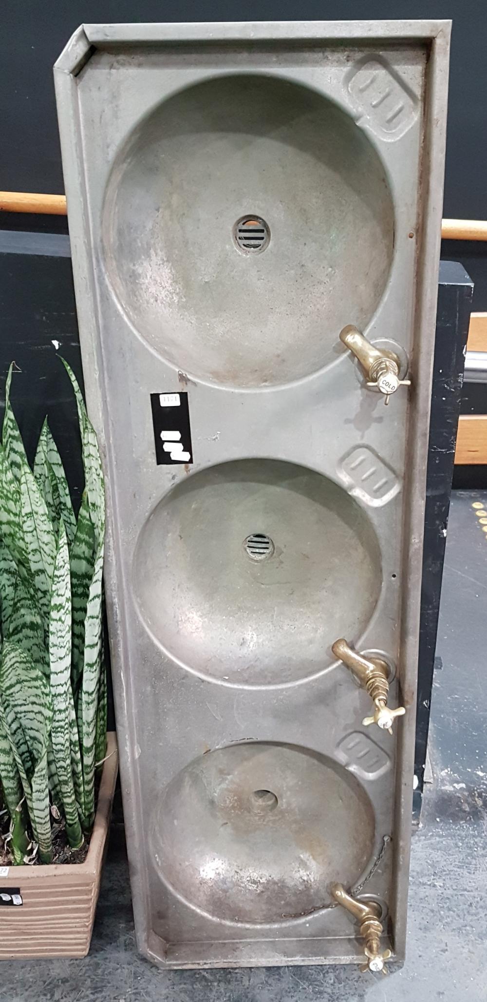 Lot 1171: Vintage Twin Zink Sink