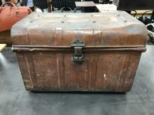 Lot 1118: Painted Metal Trunk, length: 63cm, width: 46cm