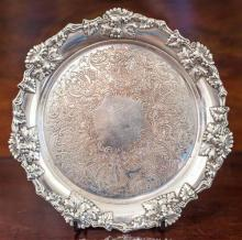 An antique silverplate on copper tray with grape and vine border, 1880's. D: 21cm