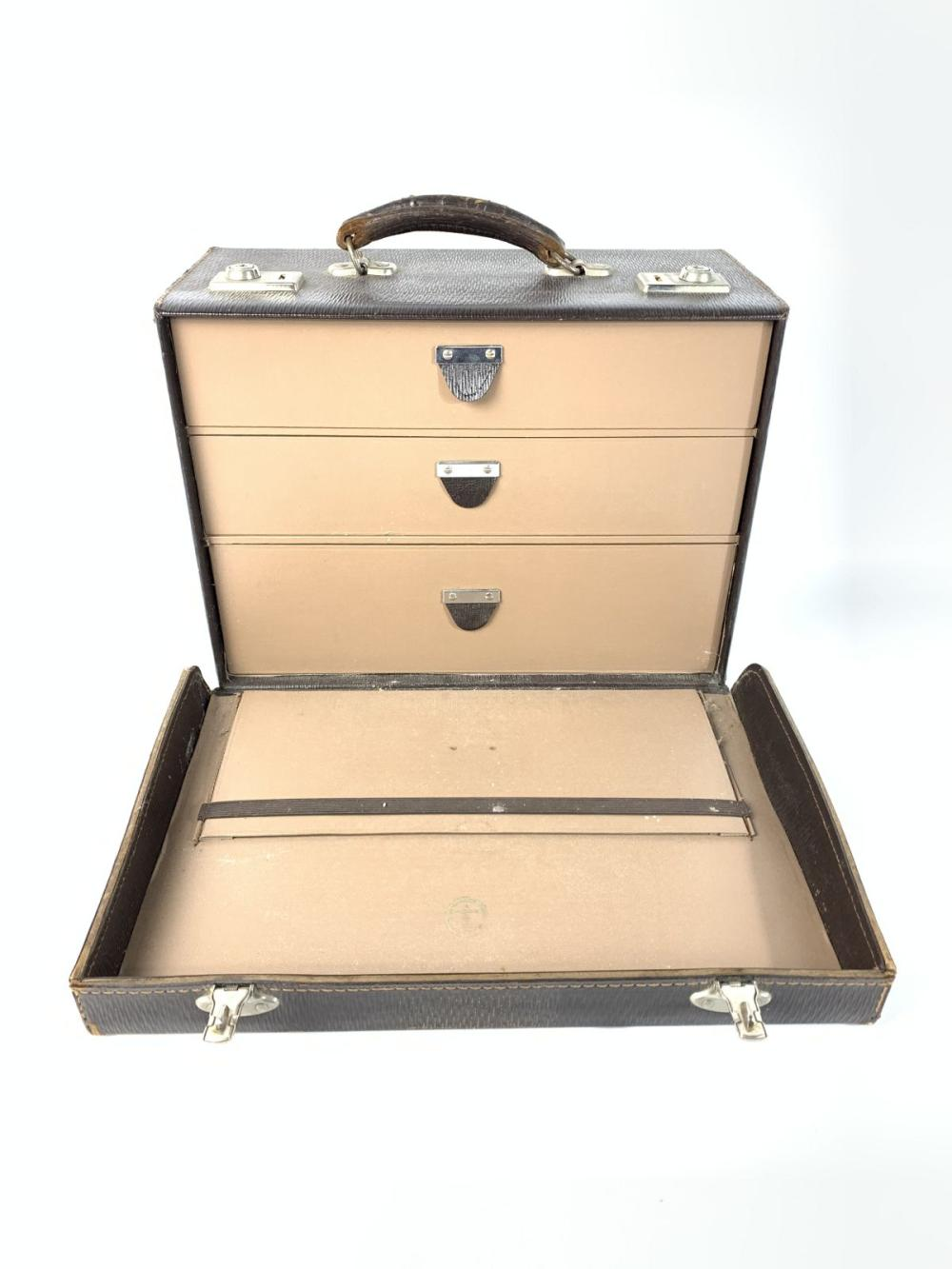 Jewellers Travel Case With Internal Drawers