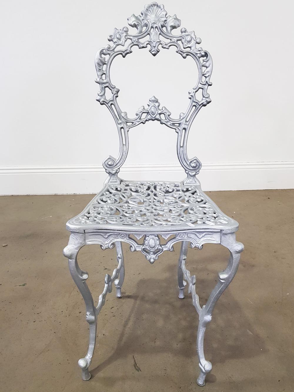 Ornate painted metal frame chair (h93cm)