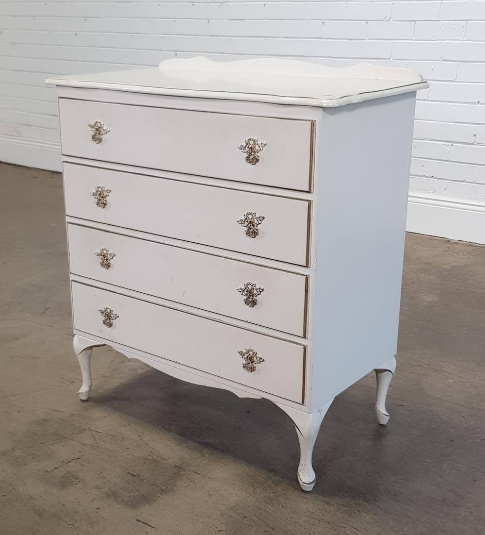 Queen Anne style 4 drawer dresser (h:90 x w:84 x d:44cm)