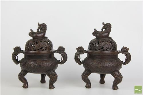Bronze Chinese Double Handled covered censers, Qianlong Marks