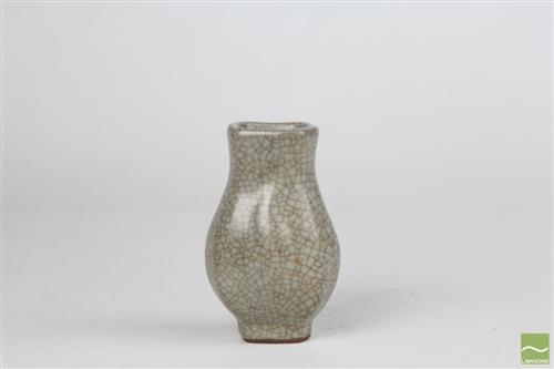 Small Chinese Ge Octagonal Hu Vase