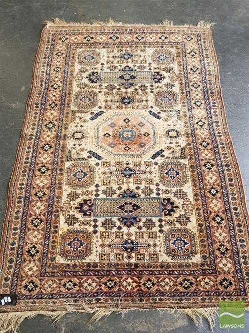 Persian Hand Knotted Woolen Rug (210 x 137cm)