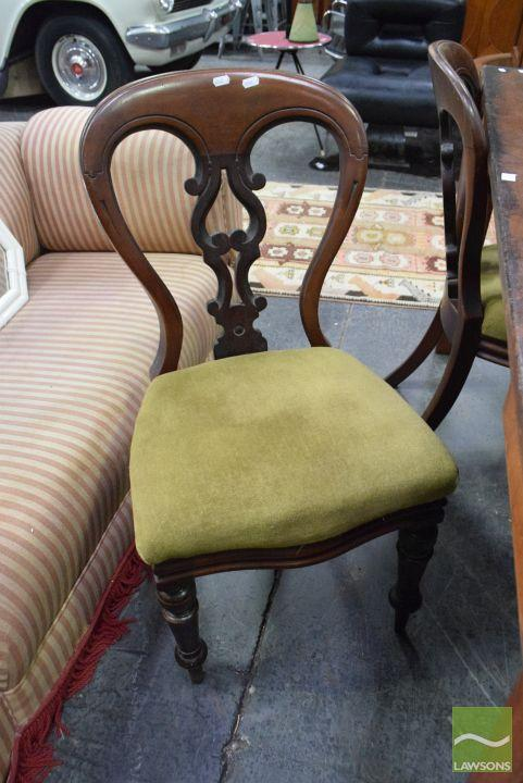 Set of 4 Mahogany Dining Chairs ( 1Chair leg A/F)