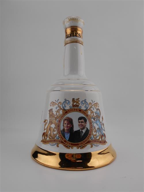 1x Bells Blended Scotch Whisky - in Wade ceramic bottle to commemorate the wedding of Andrew & Sarah