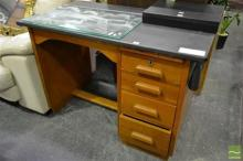 Single Pedestal Desk with 4 Drawers