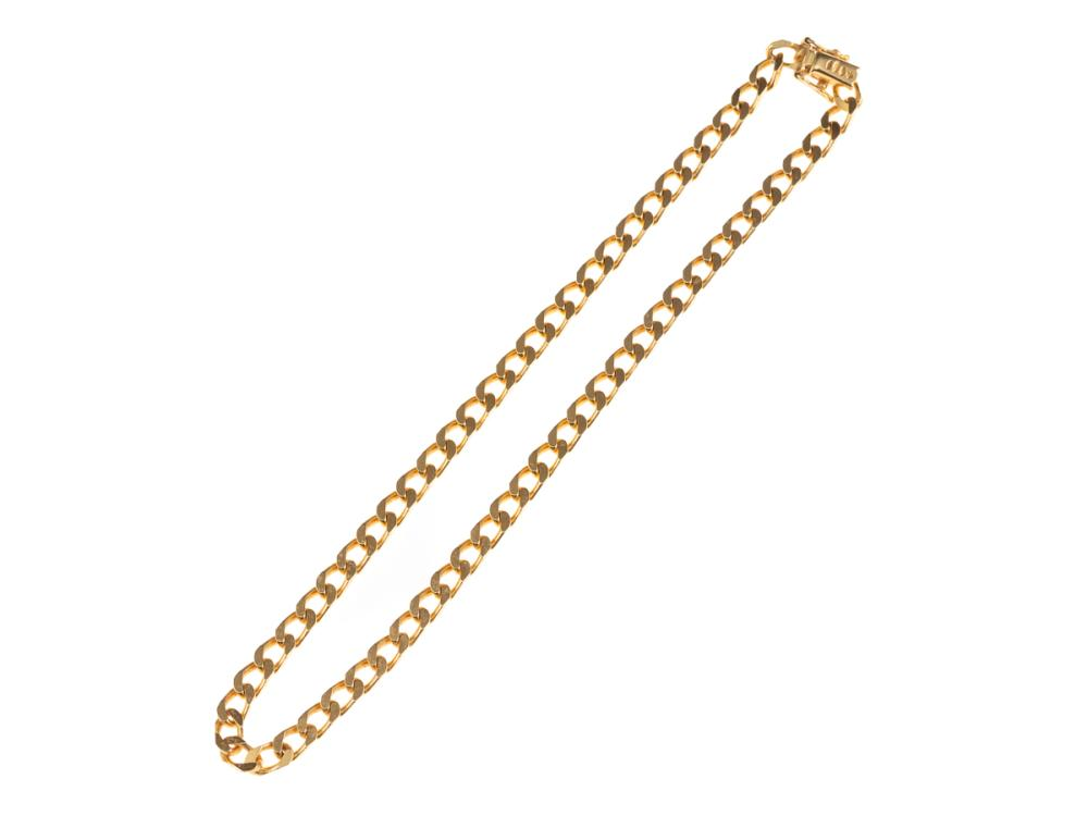 AN 18CT GOLD COLLAR; flat curb links with box clasp and twin safety clips, length 34cm, wt. 26.98g.
