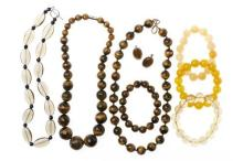 TIGERS EYE AND OTHER QUARTZ BEAD NECKLACES AND BRACELETS; round bead and graduated faceted bead tigers eye necklaces (45cm), bracele...