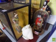 Collection of Japanese Dolls, some cased