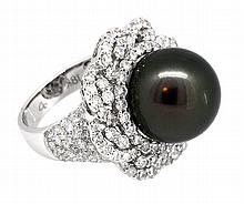13.50mm Center Black Tahitian Pearl Ring 18K