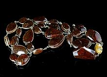 A NATURAL AMBER NECKLACE
