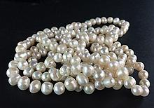 A FRESH WATER PEARL NECKLACE
