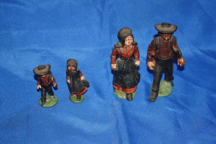 Cast Iron Amish Family Set