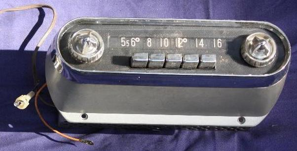 Mopar Radio Model 853