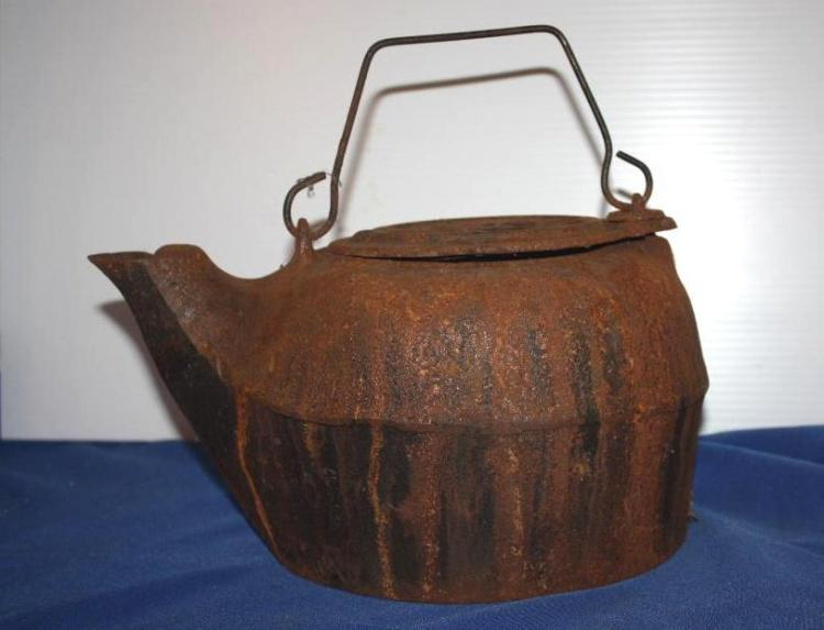 Cast Iron Tea Kettle, Flower Top