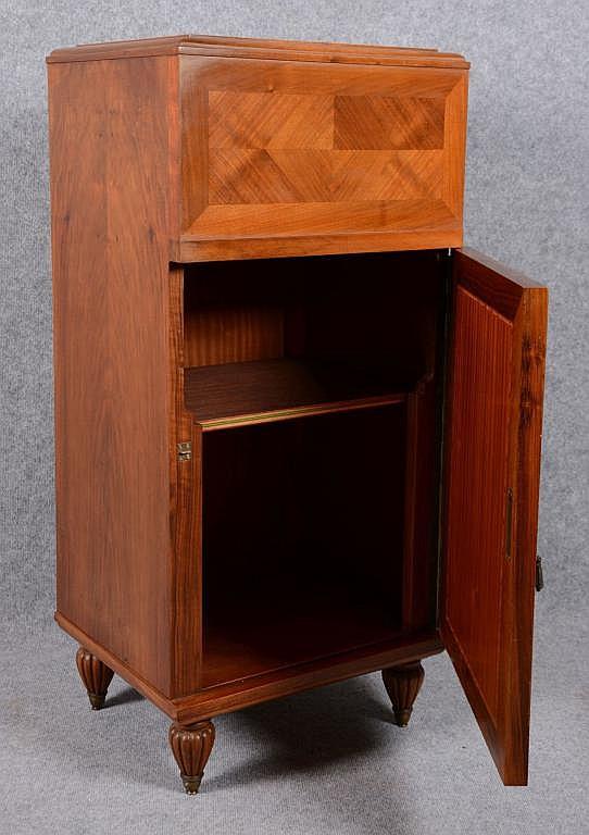 petit meuble art d co un vantaux. Black Bedroom Furniture Sets. Home Design Ideas