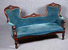 Canapé Louis - Philippe à double dossier.