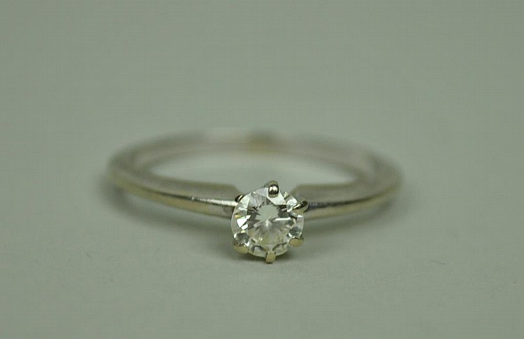 DIAMOND ENGAGEMENT RING, 0.35CT