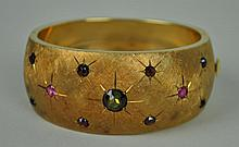 RETRO GOLD & GEMSTONE HINGED BANGLE