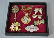 (7) PIECE VINTAGE COSTUME JEWELRY GROUP