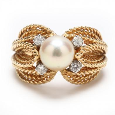 18KT Pearl and Diamond Ring