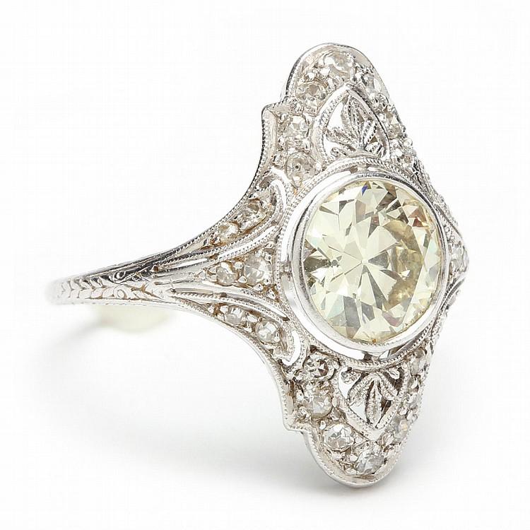 antique platinum ring