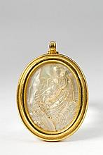 An 18 ct gold pendant with a mother of pearl