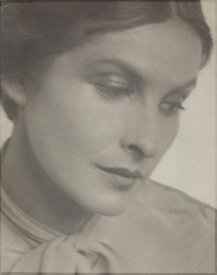 Josef Breitenbach, Sibylle Binder, 1932