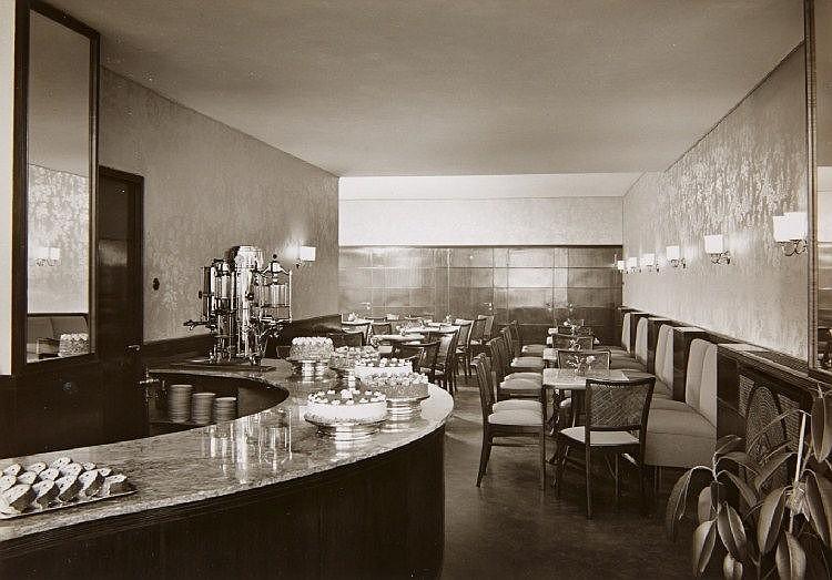 Karl Hugo Schmölz, Konditorei (Café), 1950s