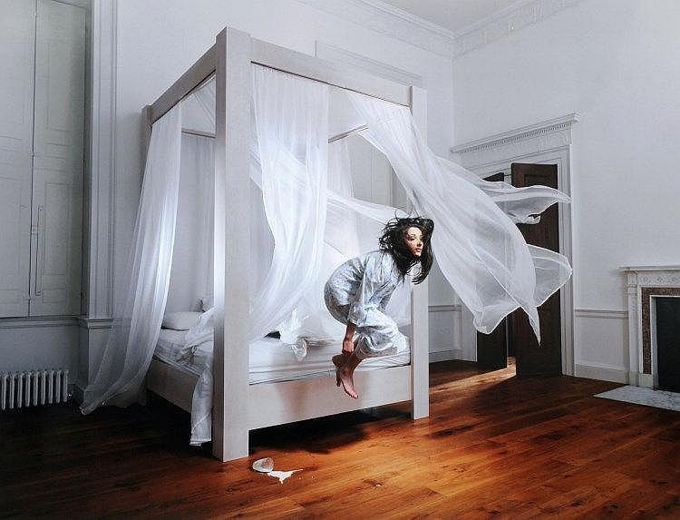 Julia Fullerton-Batten, Bedroom (from the series: In Between), 2008