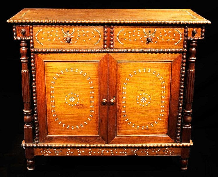 Comoda Cabinet with Inlay